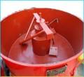 Máy trộn bê tông cưỡng bức màu cam MTCBMC